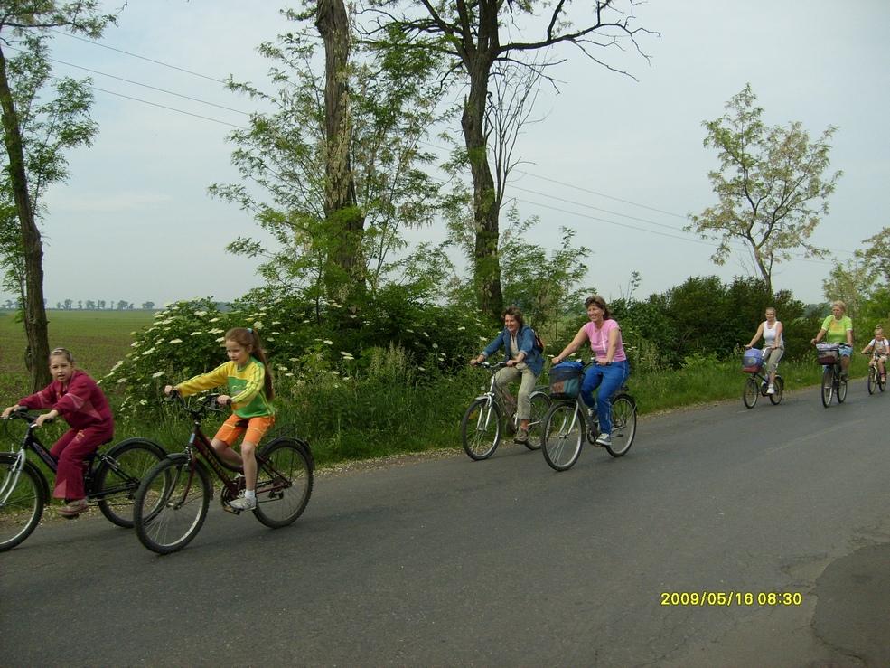 2009.05.16. kerékpáros kirándulás 018.jpg