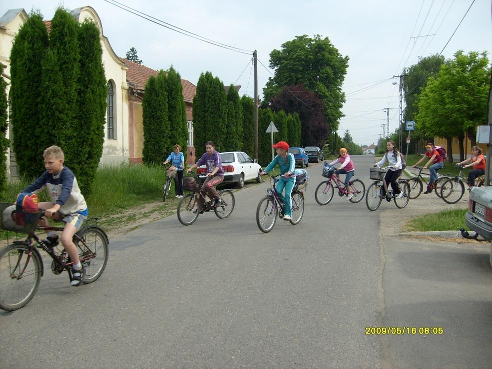 2009.05.16. kerékpáros kirándulás 009.jpg